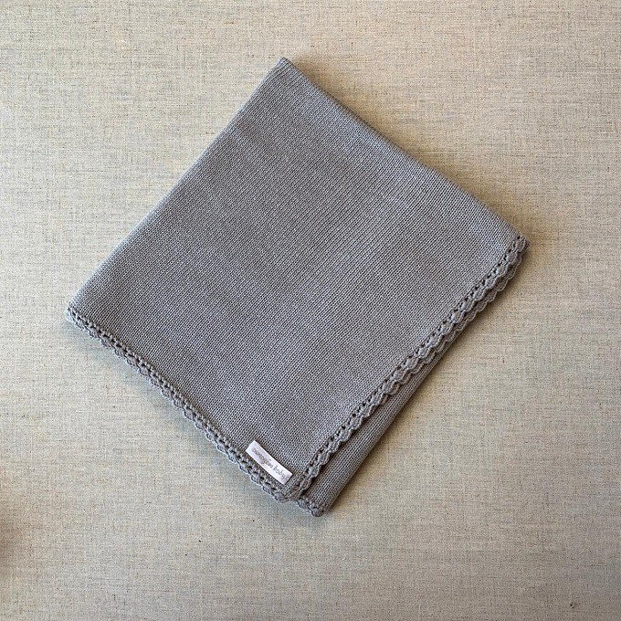 Manta tricot cinza