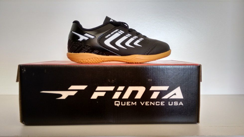 Chuteira de Futsal Finta Infantil Total Control PVC