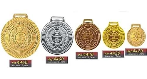Kit com 24 Medalhas Rema Honra Ao Mérito 60mm Com Fita Dourado