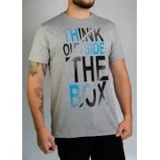 Camiseta Think Outside Cinza O