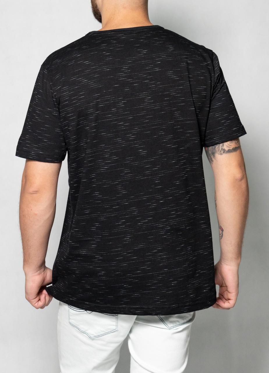 Camiseta Jet White Bolso Preta O'Born
