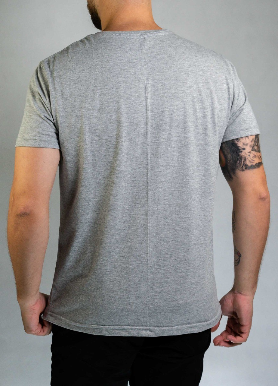 Camiseta Lie and Painf Cinza O'Born
