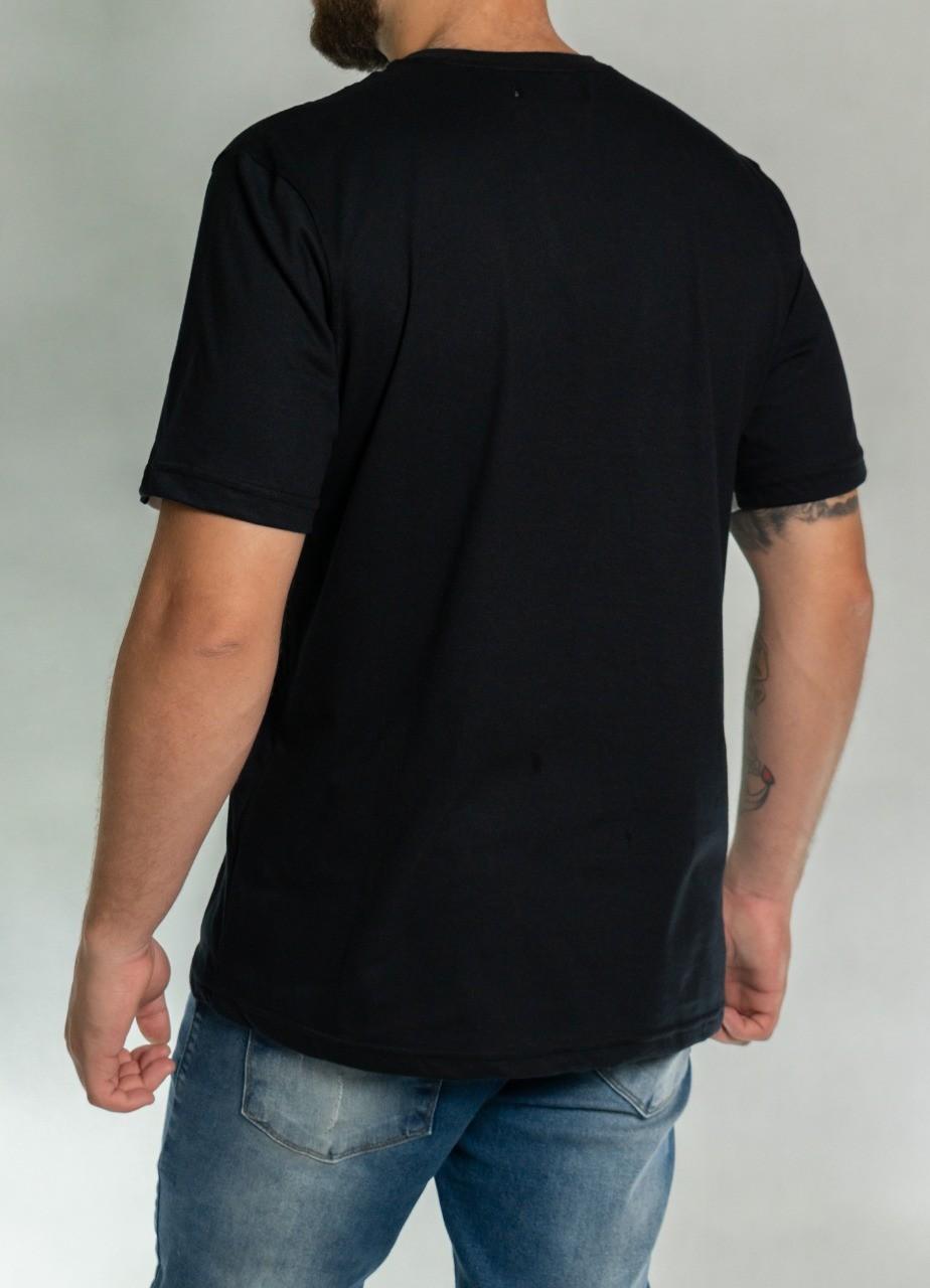 Camiseta Recorte Preta e Branca O'Born