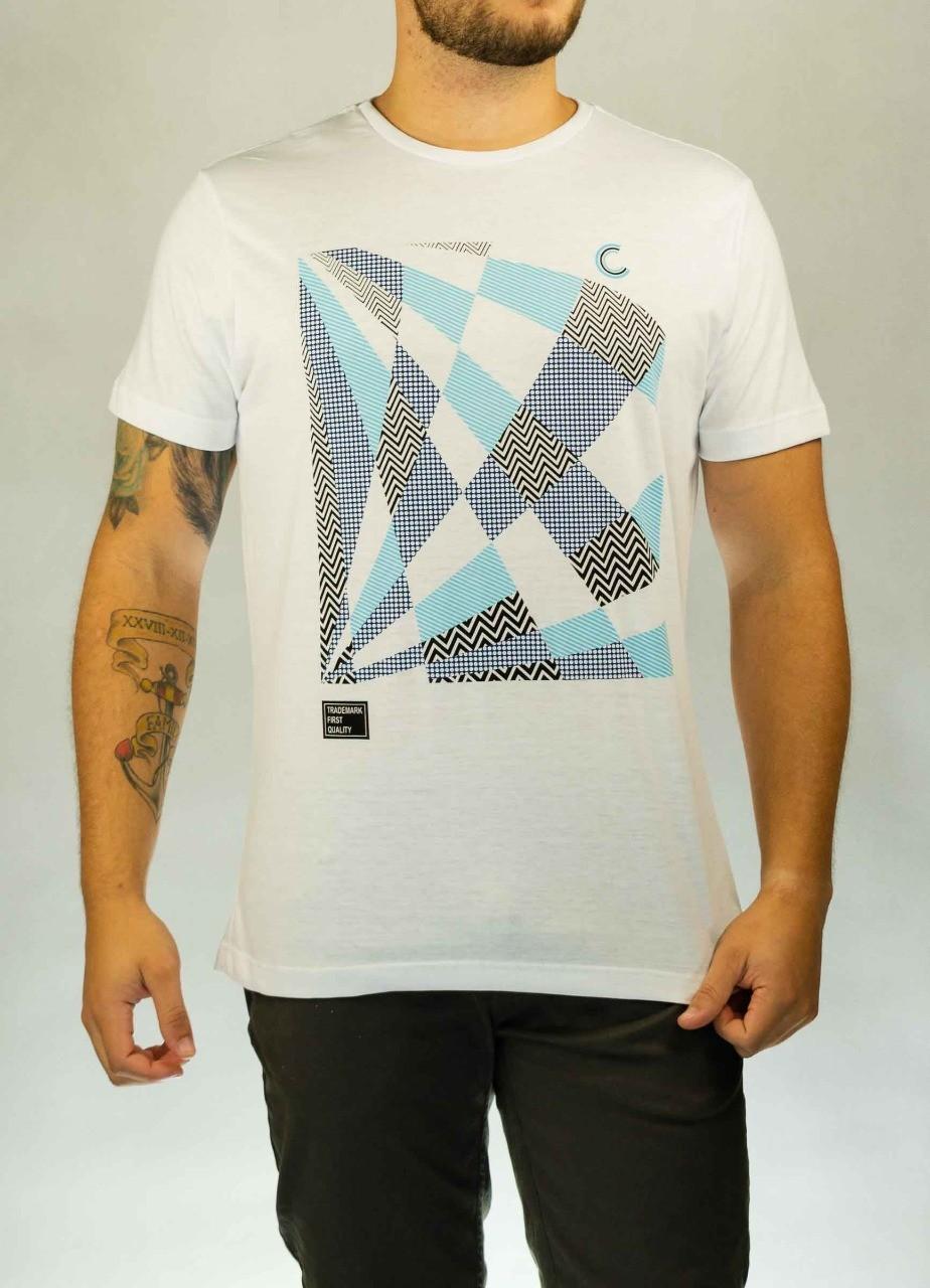 Camiseta Trademark Branca O'Born