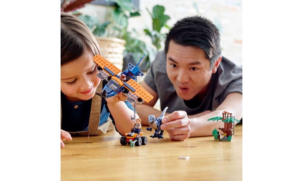 LEGO Jurassic World - Velociraptor: Missão de Resgate com Biplano 75942