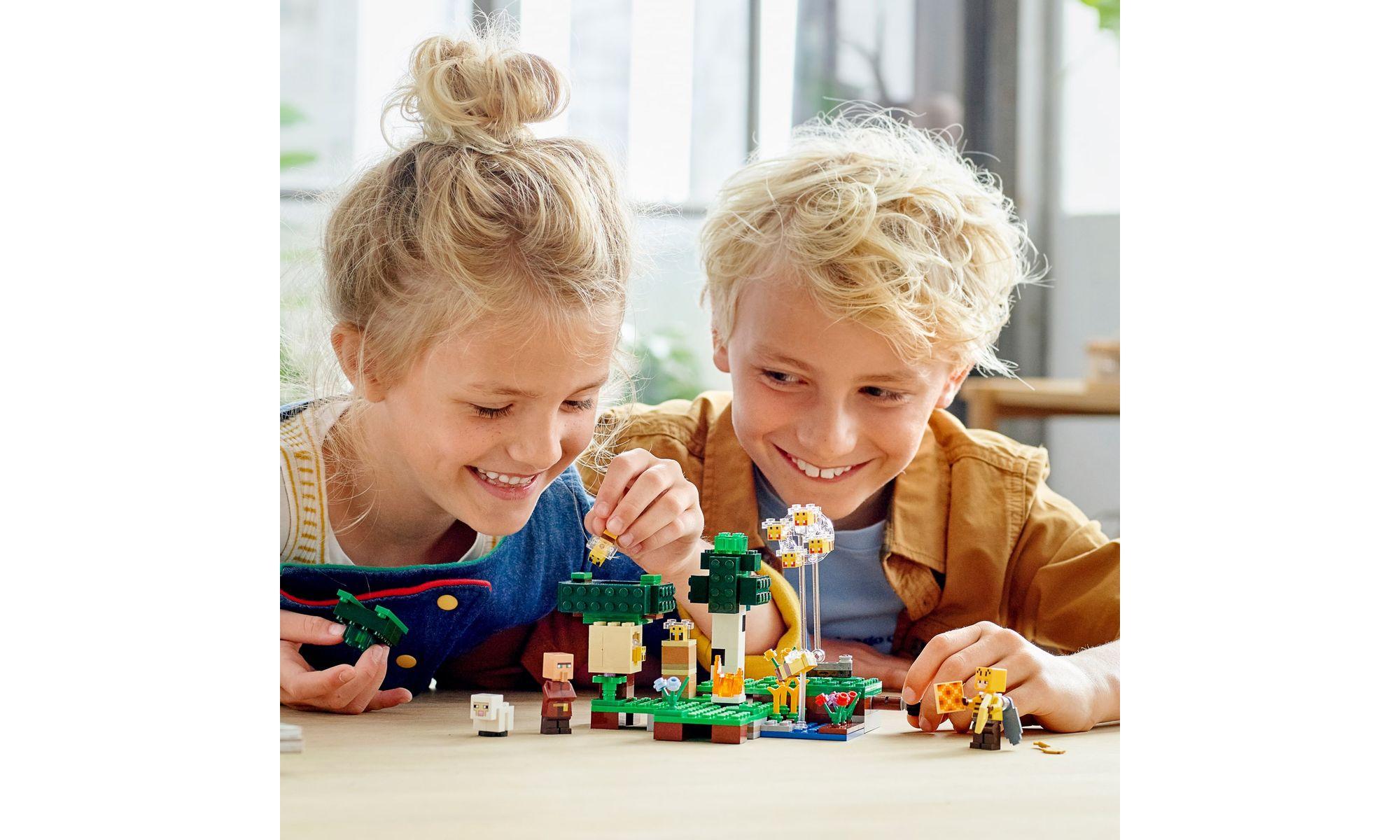 LEGO Minecraft - A Fazenda das Abelhas 21165