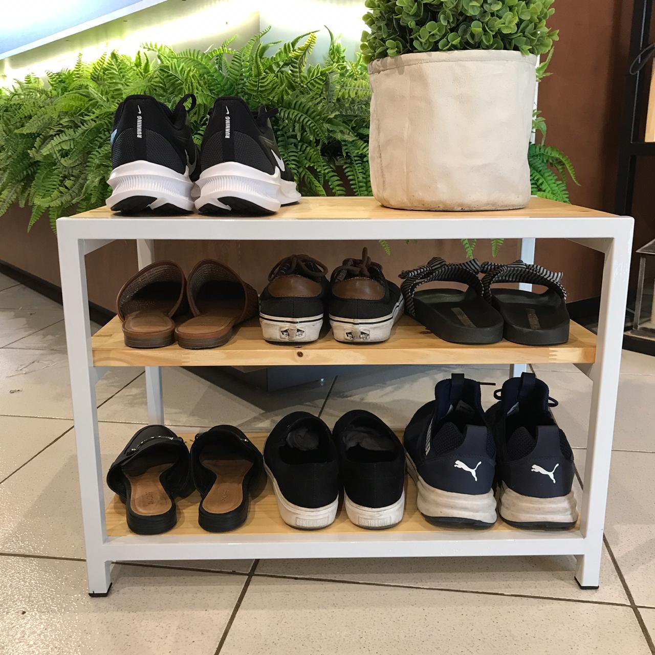 Banco Sapateira para Porta de Casa em Ferro Branco e Madeira para Organizar Sapatos Natural