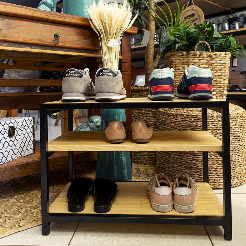 Banco Sapateira para Porta de Casa em Ferro e Madeira para Organizar Sapatos Natural