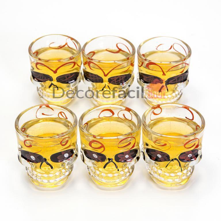 Garrafa Caveira em Vidro Transparente 750 ml + 6 Copos Shot 50 ml