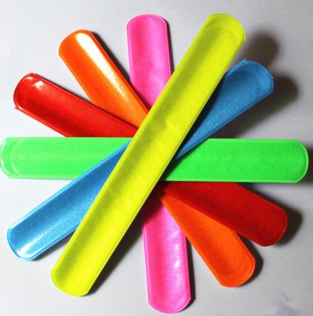 Kit 50 Pulseiras de Identificação Bate e Enrola Brilhante para Festas