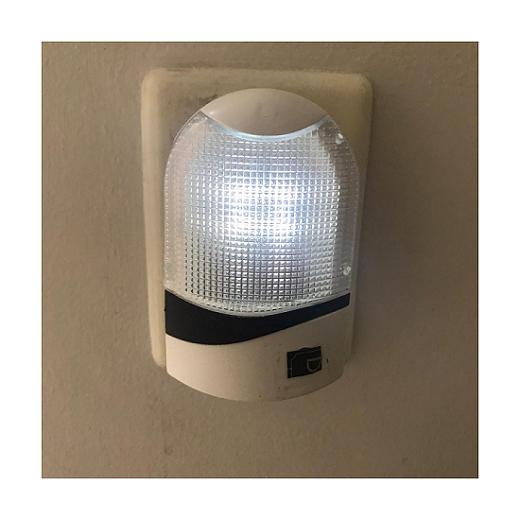 Luz de Tomada Luminária com Sensor de Iluminação