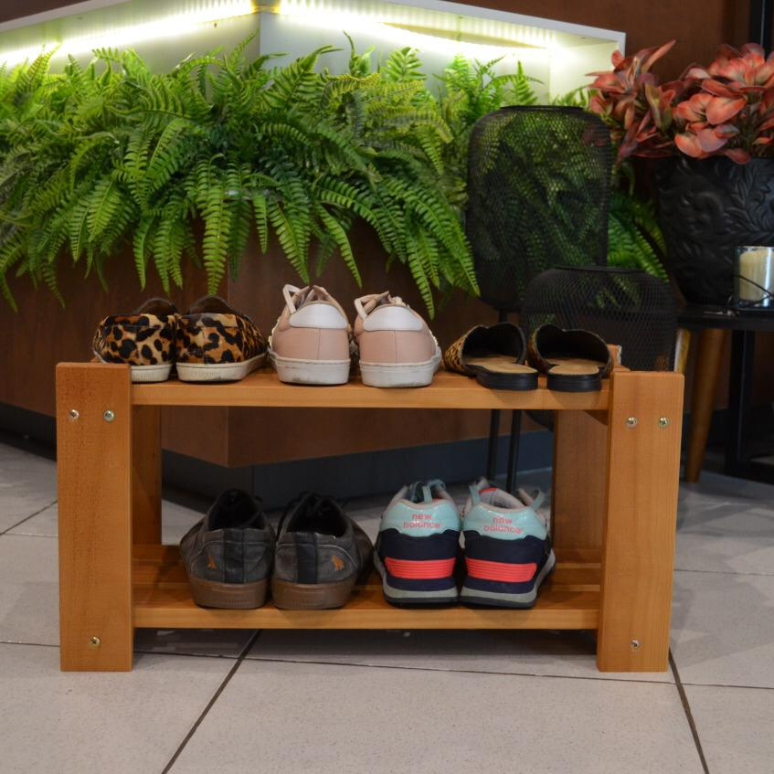 Organizador de Sapatos Sapateira p/ Porta de Casa em Madeira Cor Caramelo
