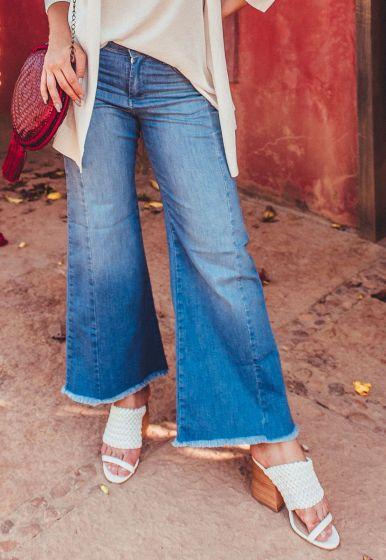 Calça Jeans Pantacourt com Recorte - Rafinha Gadelha