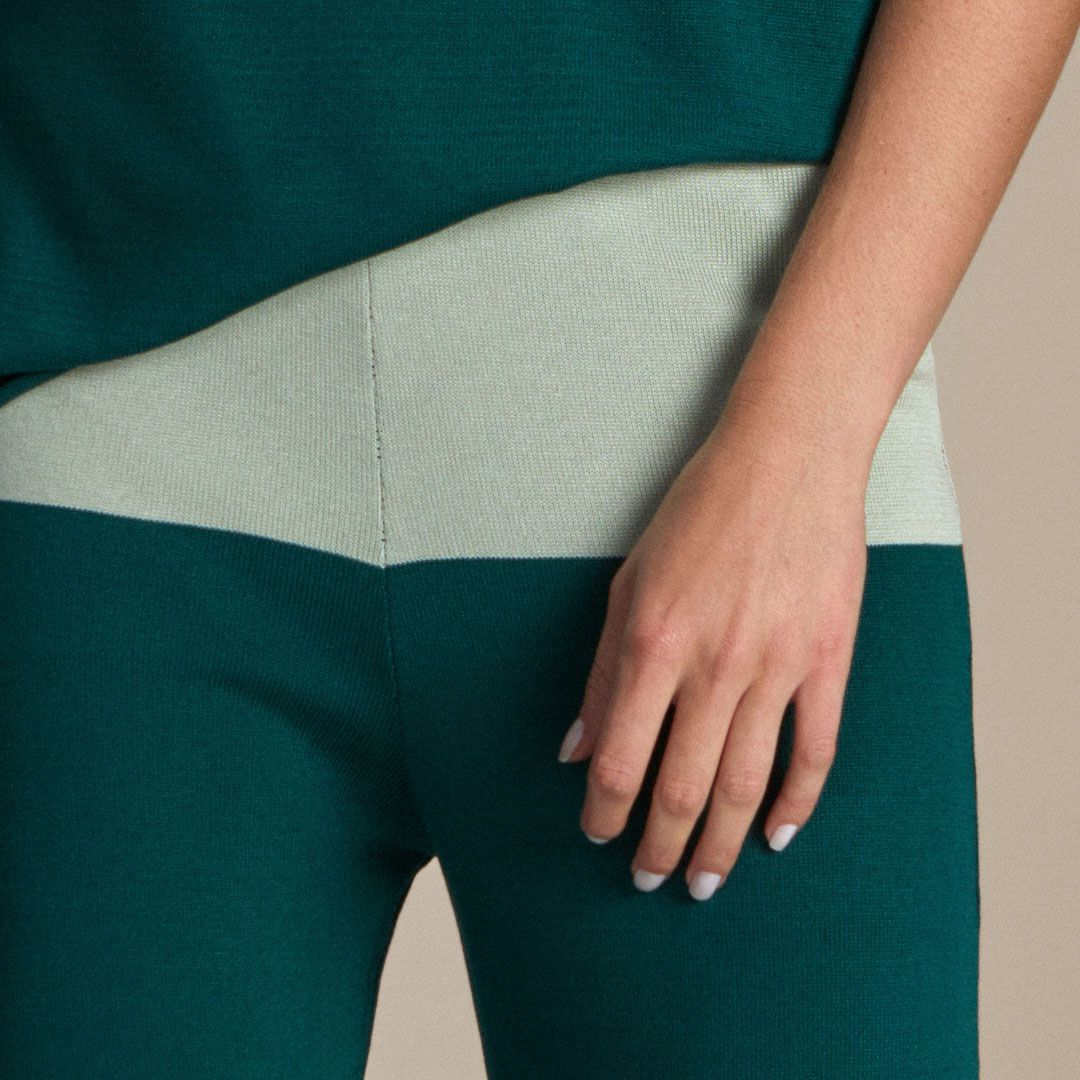 Pantalona com Abertura Lateral