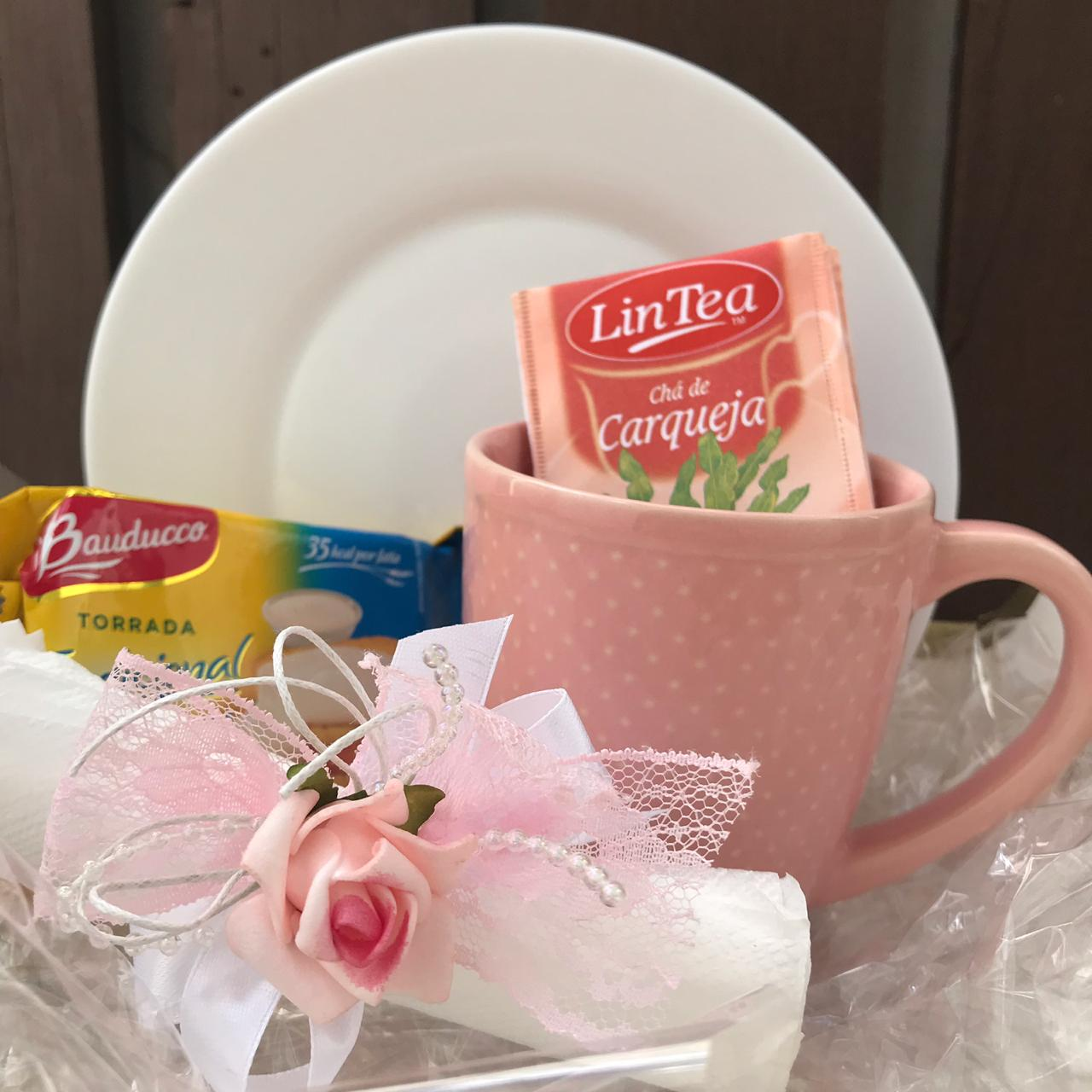 Kit Caneca Rosa com Pires e Mimos
