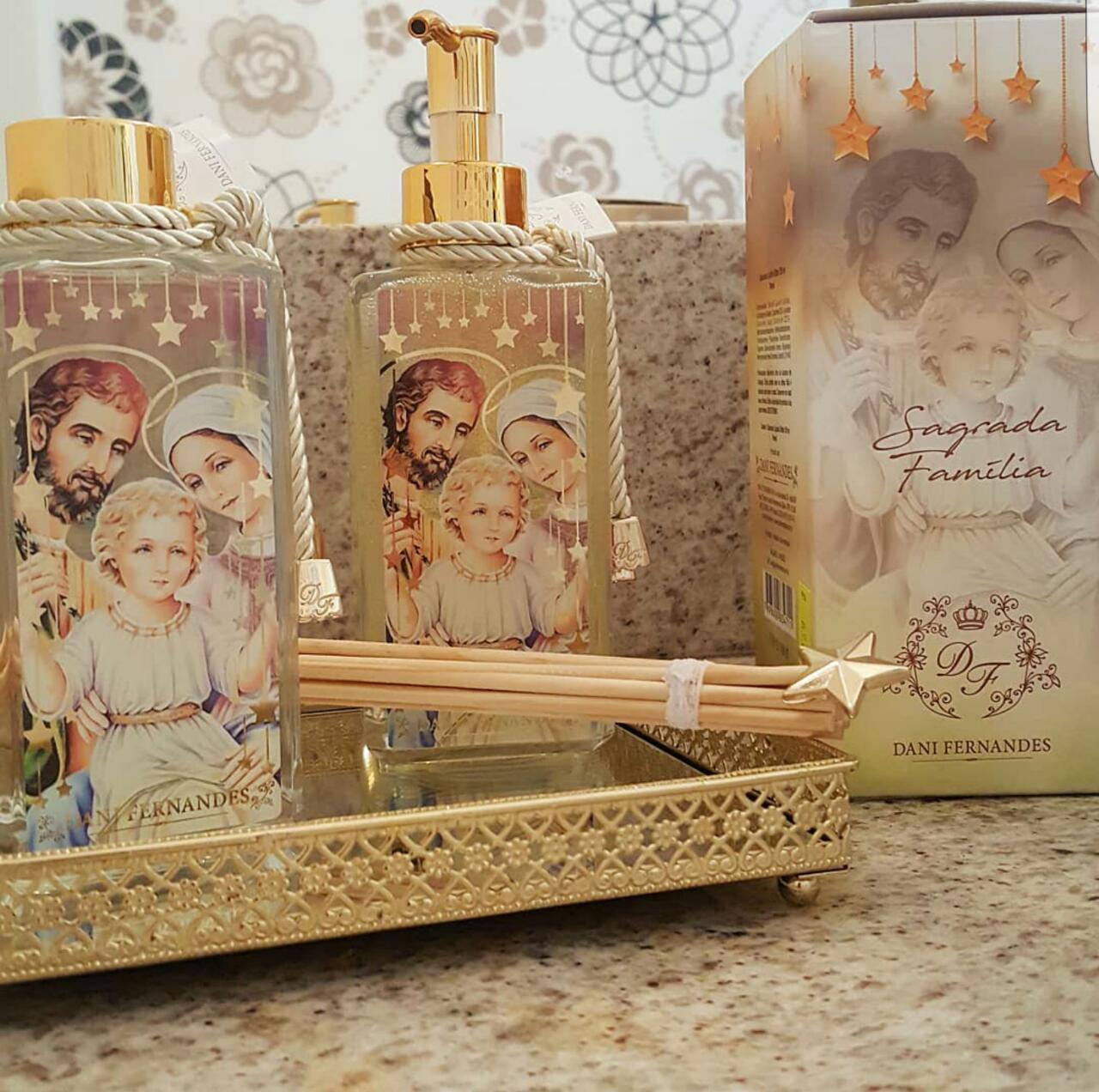 Kit Difusor e Sabonete Liquido Aroma Romã Sagrada Familia