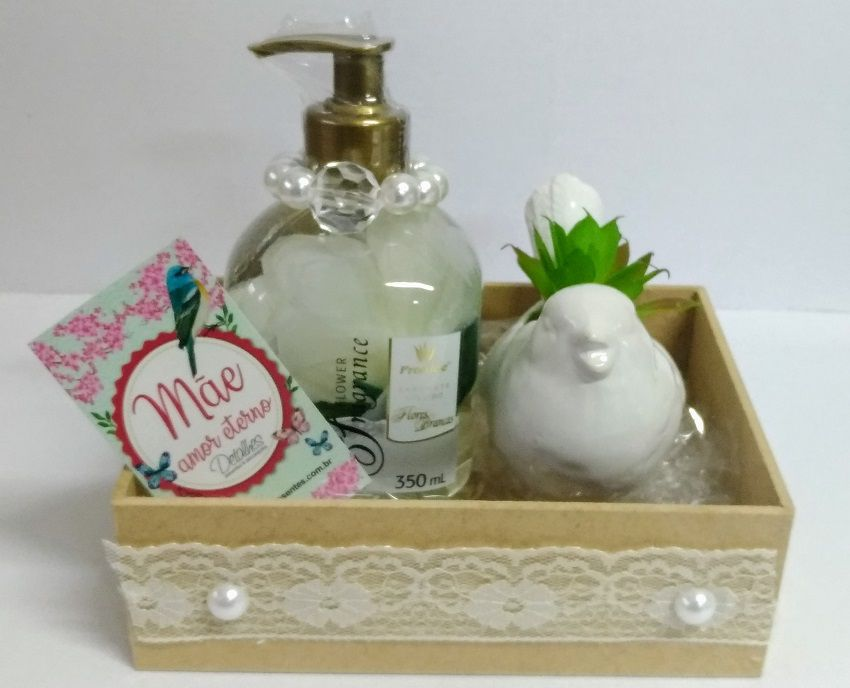 Kit Mãe - Sabonete Flores Brancas com Vaso Passarinho