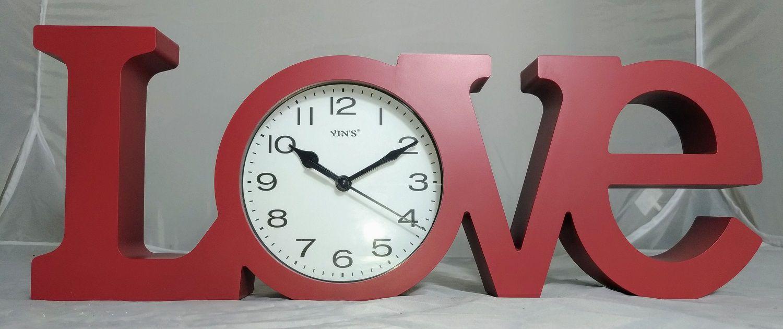 Relógio de Mesa Love Vermelho