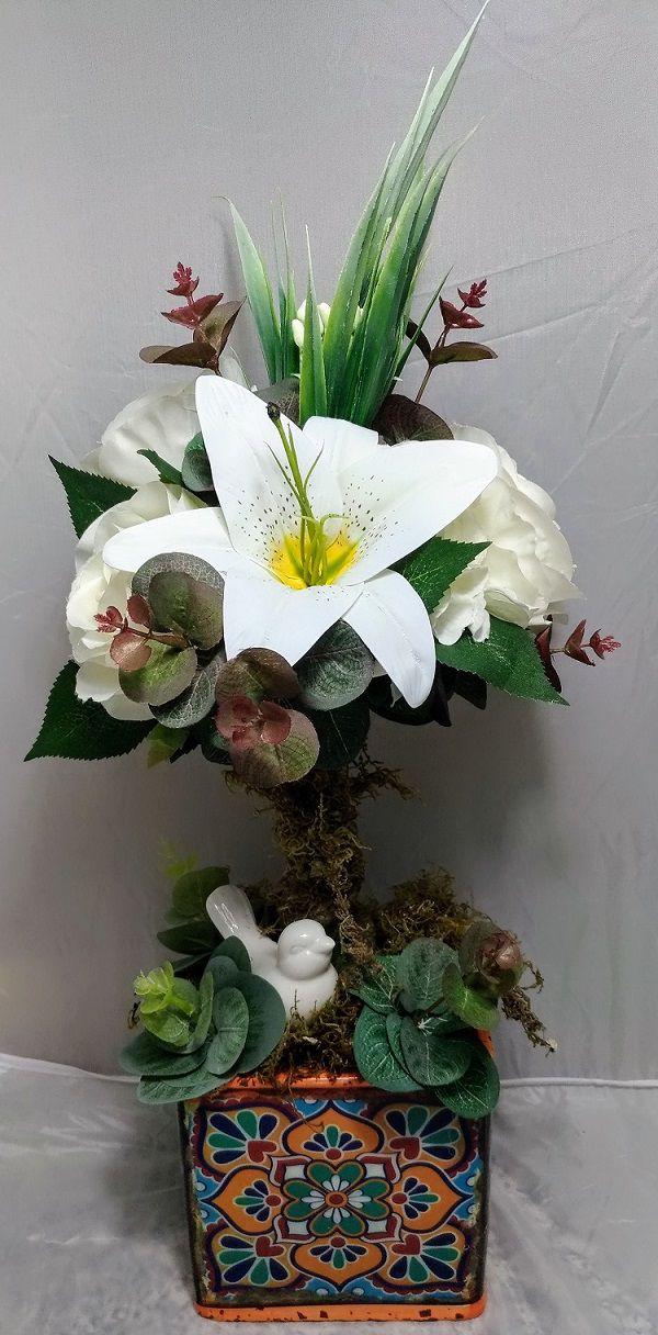 Vaso Topiaria de Rosas Brancas e Lirios com Passarinho