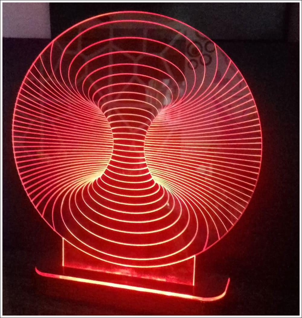 Abajur / Luminária De Mesa Em Acrílico Túnel 3d Com Led Vermelho
