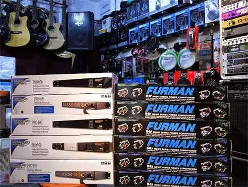CONDICIONADOR DE ENERGIA FURMAN MERIT X SERIES M-8LX