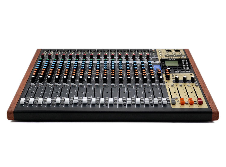 MÍXER DIGITAL TASCAM MODEL 24