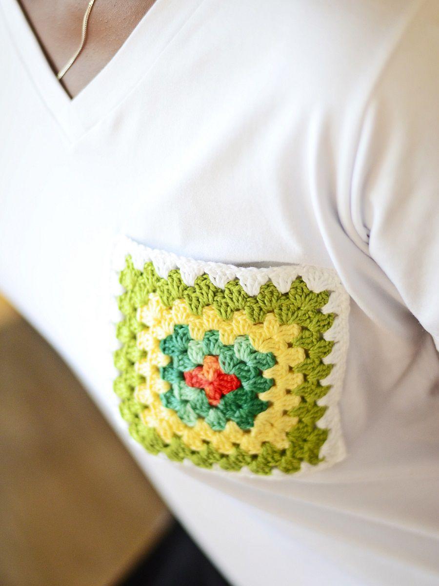 Camiseta Fashionista Bolso Crochê - Branca