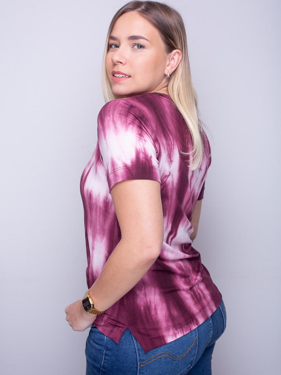 Camiseta Fashionista Tie Dye - Vinho
