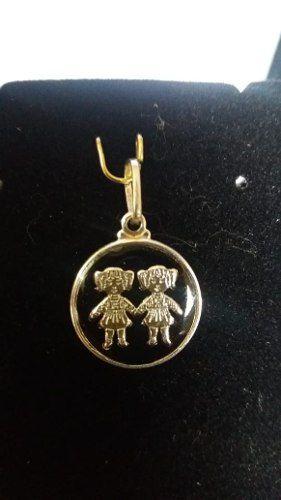 Pingente Duas Meninas Pequeno Em Prata 925 Legítimo 1,6 Gr