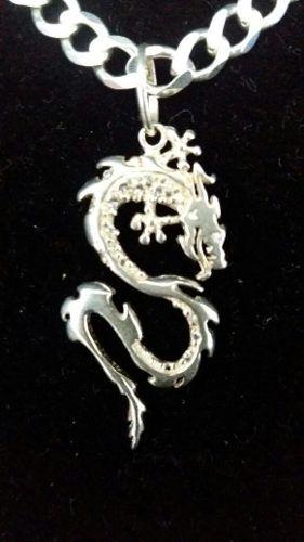 Lindo Pingente Prata 925 Modelo Dragão 2,6 Gr.  3,5 X 1,7 Cm