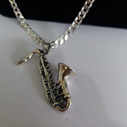 Pingente - Prata 925 Envelhecido - Modelo Saxofone - 4,4 Cm