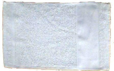 TOALHA BRANCA DE ROSTO 61 X 44 FAIXA SUBLIMÁTICA