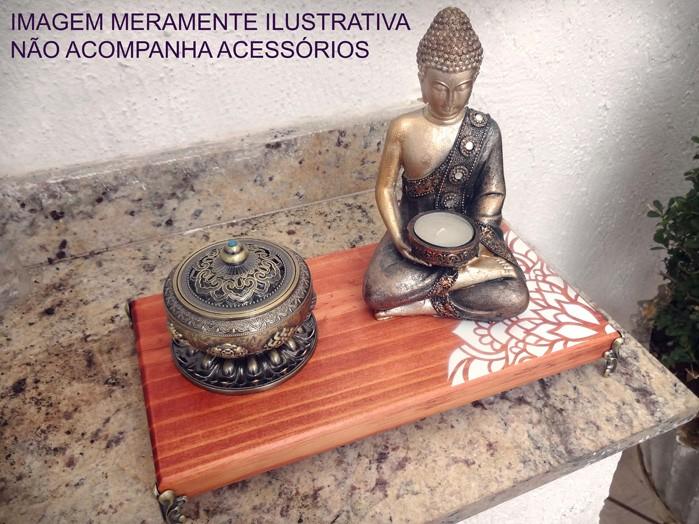 Altar de Madeira com Mandala Lateral