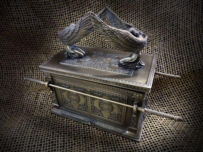 Arca da Aliança By Veronese - 13 x 19 cm Resina