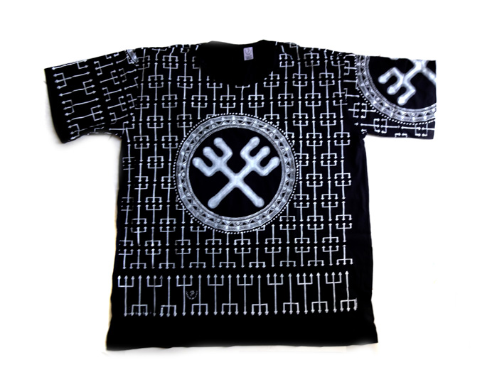 Camiseta Unissex Exu - Preto e Branco