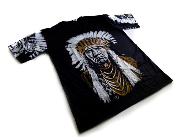 Camiseta Unissex Índio Americano Preto e Marrom