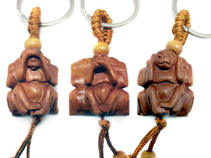 Trio Macacos Sábios Chaveiros de Madeira