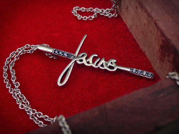 Colar Jesus com Zirconia