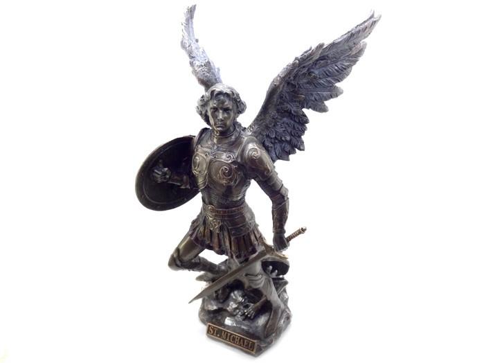 Escultura de São Miguel Arcanjo 32 cm Resina Veronese