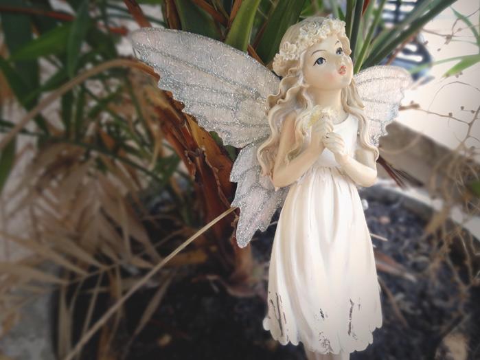Fada Branca em Pé com Flor 20 x 7 cm