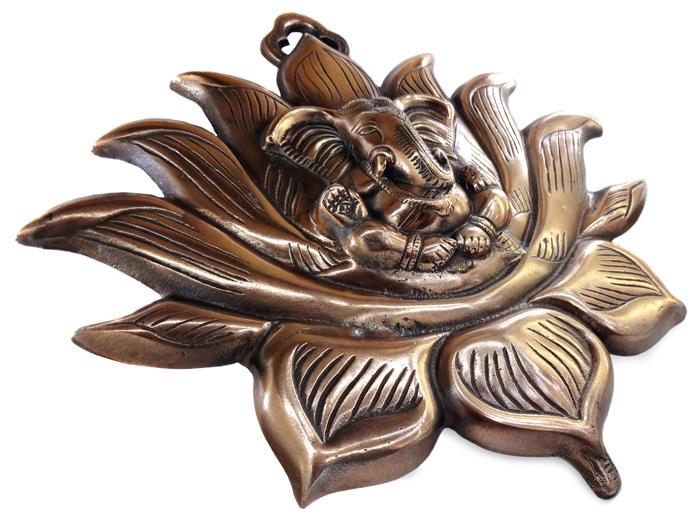 Ganesha Flor de Lotus  Estátua de Parede 28 cm