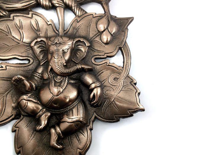 Estátua de Parede Ganesha 20 x 28 cm