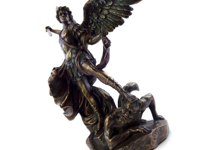 Escultura Imagem de São Miguel Arcanjo - 26 x 18 cm Resina Veronese
