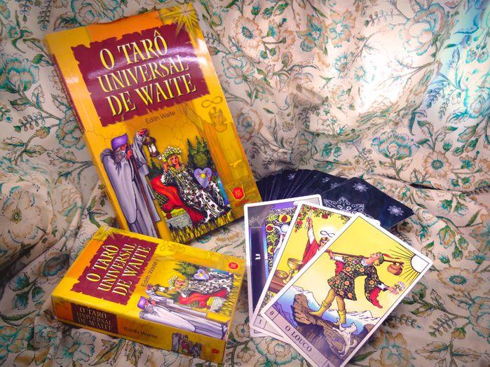 Kit Tarot Universal de Waite Livro + 78 Cartas