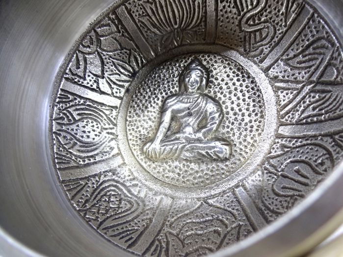 Tigela Tibetana Orin 7 Metais Sagrados 10x5 cm Prata