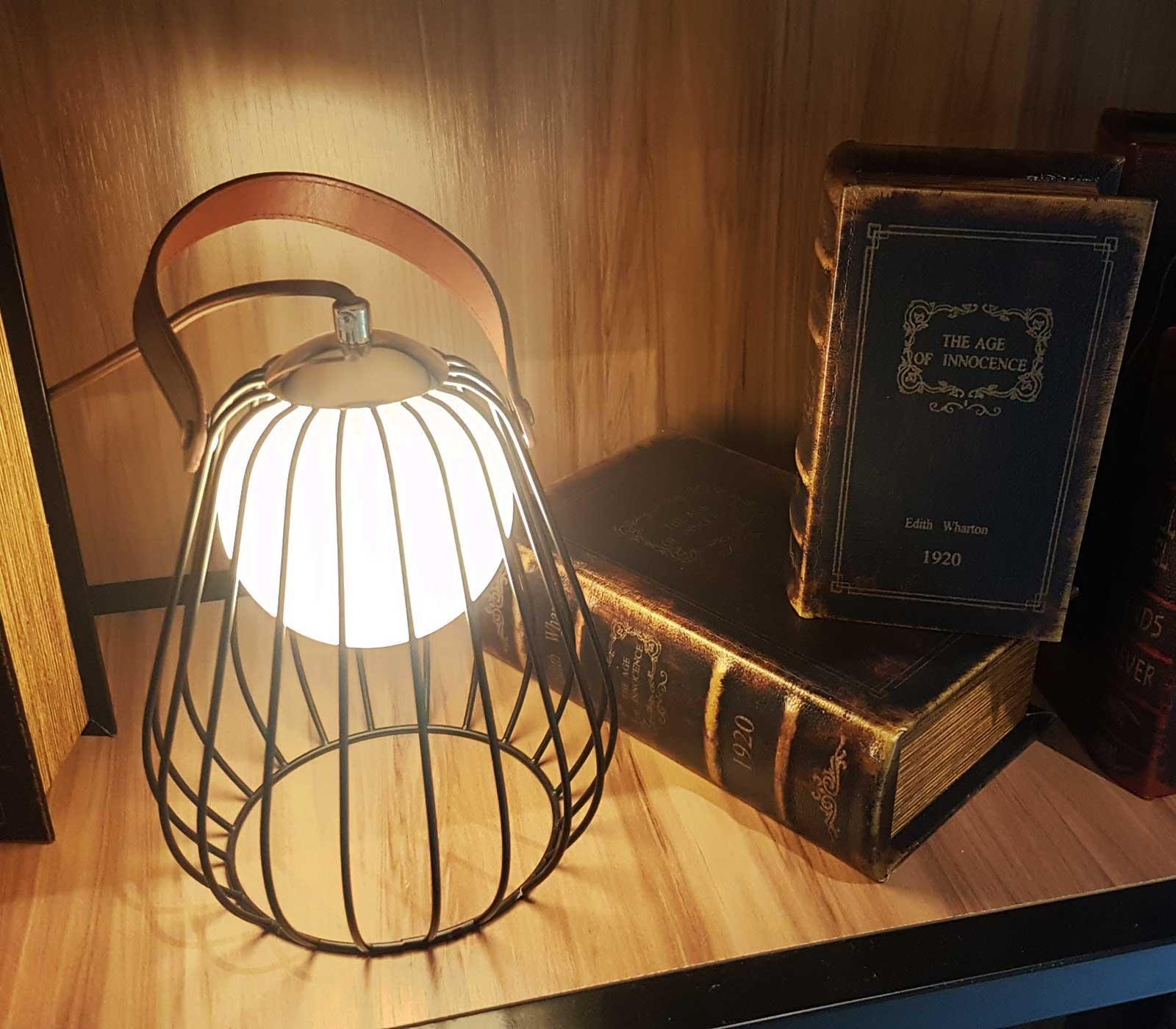Luminária de Mesa Abajur Lamp Preto