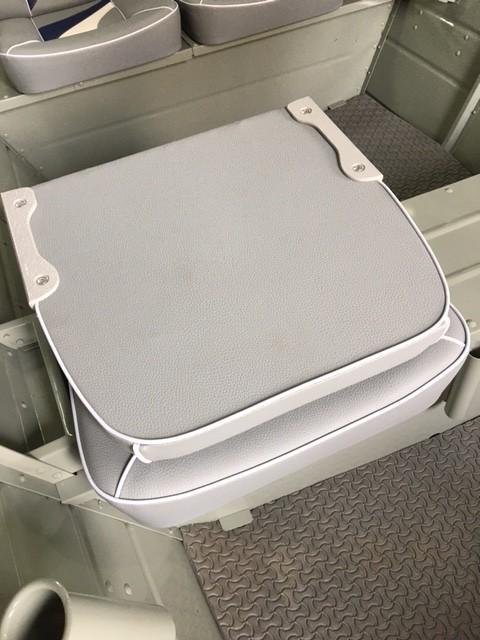 Cadeira Estofada sem Ferragem