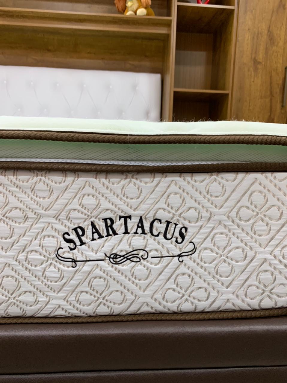 Colchão de Molas Ensacadas Spartacus King 193x203x28cm Millbrooks