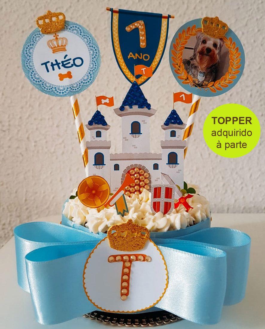 Bolo de Aniversário para Cães com Cobertura de Chantilly Pet com Fita Grossa e Laço Duplo - Modelo 2