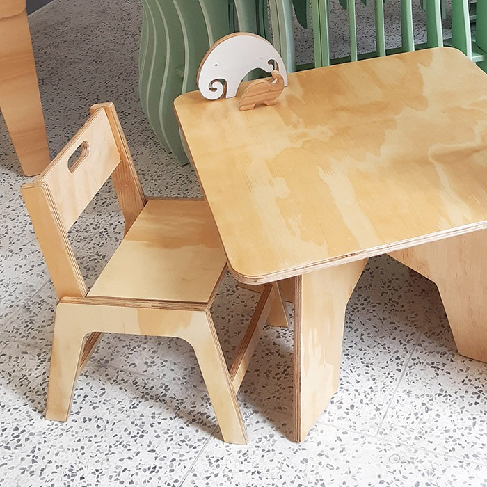 Cadeira de Jantar Infantil Lis NATURE (JEQUITIBÁ/MARFIM)